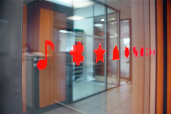 autocollants pour vitres avec motifs enfantins direct signal tique. Black Bedroom Furniture Sets. Home Design Ideas