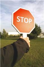 Panneau de signalisation STOP d´aide au trafic