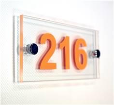 Numéro de chambre 75 x 150 mm - Gamme Hôtel avec Entretoises