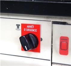 Etiquette bouton poussoir gravée