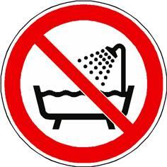 Panneau interdiction d´utiliser ce dispositif dans un réservoir rempli d´eau ISO 7010 - P026