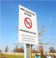 Kit Panneau Interdiction de Fumer Aire de Jeux avec Poteau