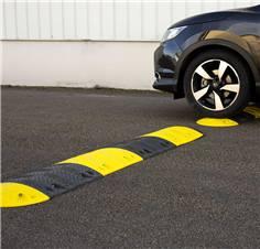 Ralentisseur de parking Jaune et noir - H 50 mm - Limitation 20-30 km/h