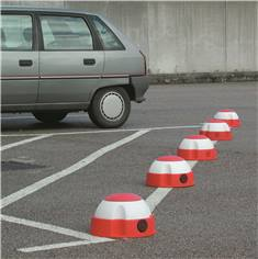Balise parking seule à lester
