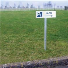 Kit de panneau de Sortie du parking PMR vers la droite sur poteau
