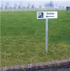 Panneau Entrée du parking PMR vers la gauche  - H 150 x L 450 mm - Alu dibond 3 mm