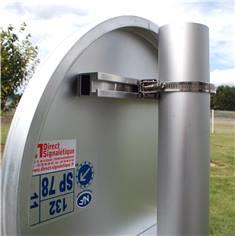 Collier de fixation universel pour poteaux ronds de Ø 50 à 215 mm