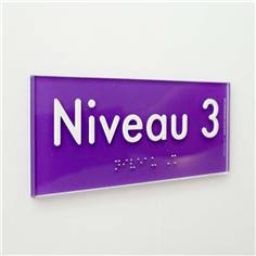 Plaque de Porte Pop Art® en plexi - Niveau 3 - Texte en relief - H70 x L170 mm