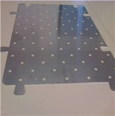 Gabarit de perçage pour clous podotactiles en alu - 600 x 412 mm