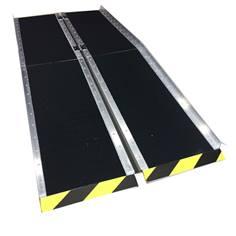 Rampe d´accès pliable en aluminium avec une surface hautement antidérapante