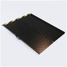 Rampe d´accès pliable en aluminium larmé antidérapant laqué noir - Larg 800 mm