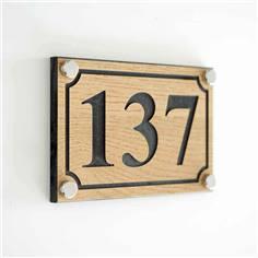 Numéro de maison aspect Bois avec 4 trous - H 100 x L 150 mm