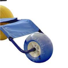 Troisième roue pour fauteuil d'accès au bain