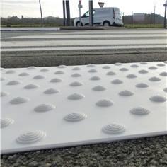 Bande d´éveil à la vigilance résine méthacrylate - Adhésif épais - 400 x 600 mm - Extérieur