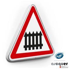Panneau de danger Passage à niveau muni de barrières - A7