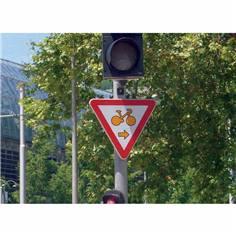 Panneau autorisant les cyclistes à franchir les feux
