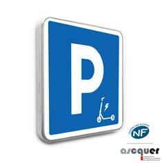 Panneau parking réservé aux trottinettes électriques