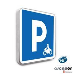 Panneau parking réservé aux motos