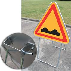 Panneau Danger Dos d´âne ou cassis sur Pied Solidaire - AK2