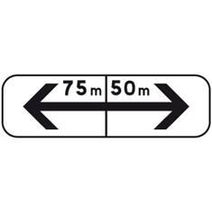 Panonceau De Part et d´autre avec distance - M8f bis pour panneau de stationnement type B6
